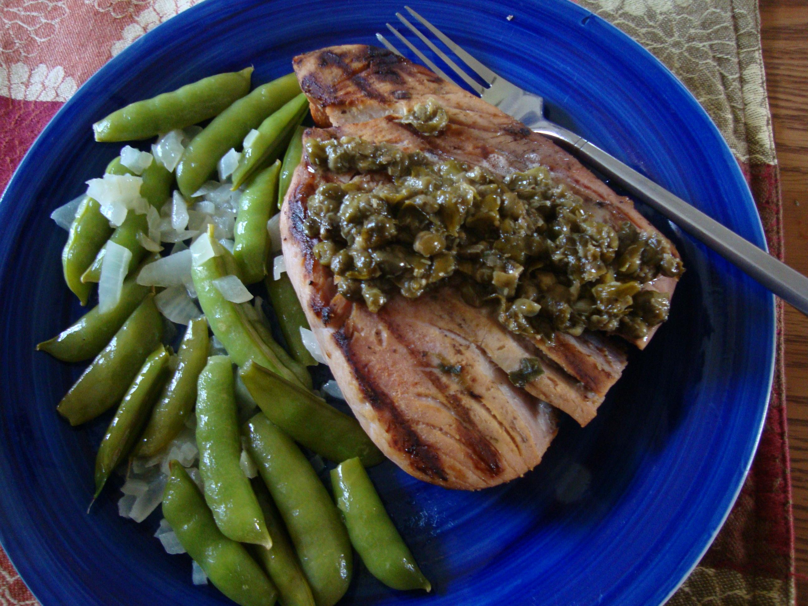 Tuna Steaks with Garden Peas and Onion   Thezenoptimist